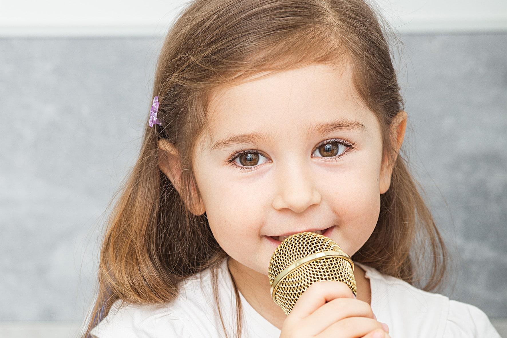 дитина з порушенням слуху